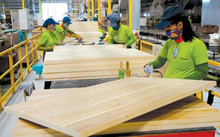 Chinese wood products companies relocate to Vietnam due to US tariffs